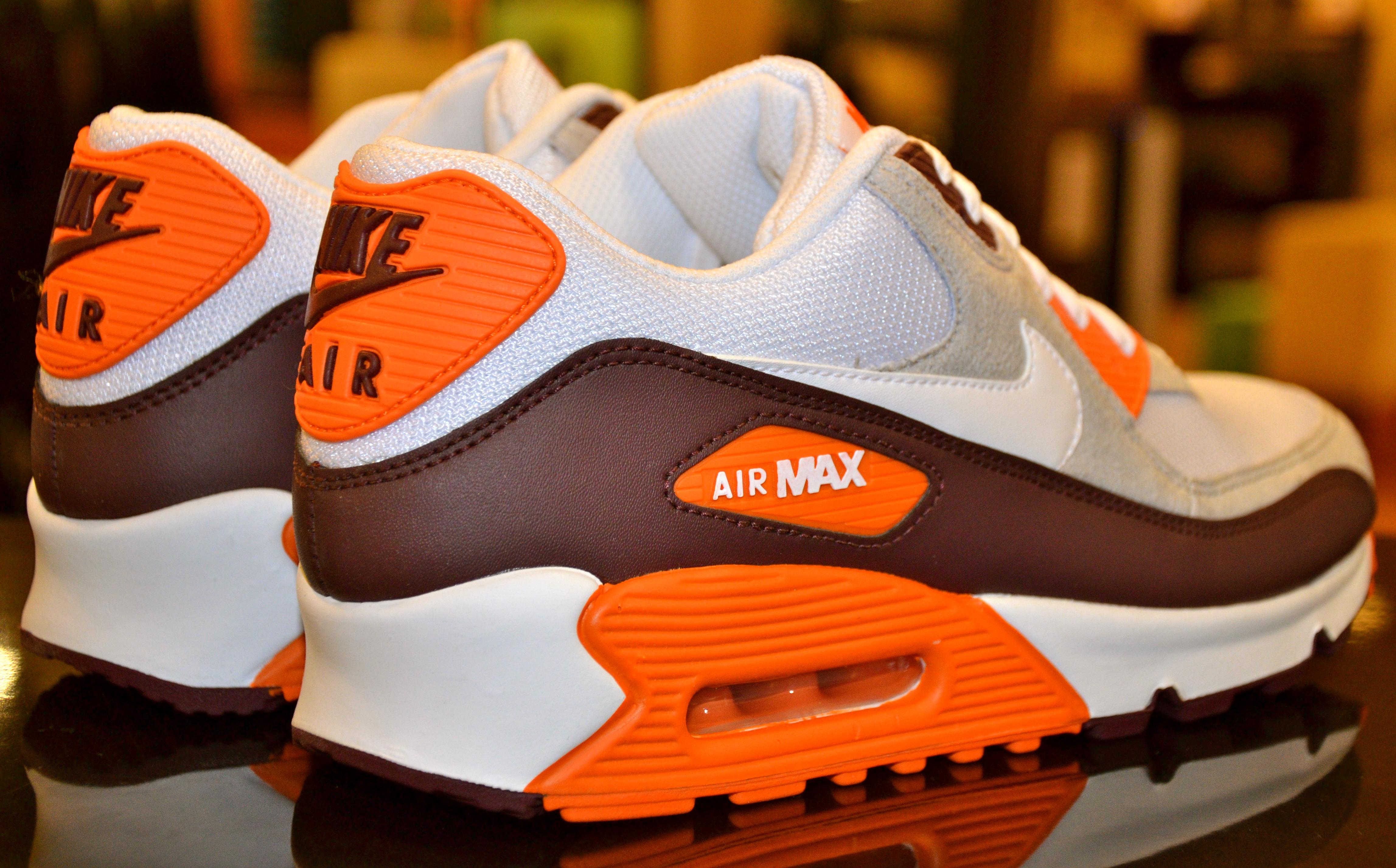 burnt orange shoes nike air max